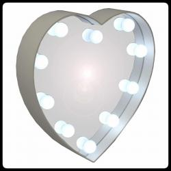 Lustro do makijażu w kształcie serca